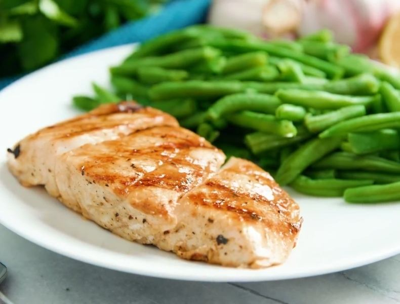 delicious grilled halibut recipe with honey and lemon